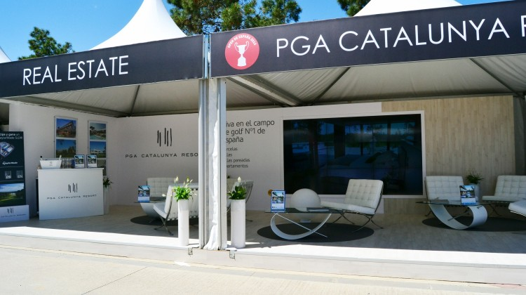 pga-catalunya-real-estate-booth